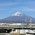 新幹線駅裏側